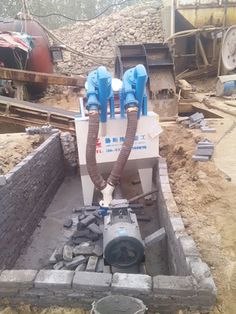 """it""""s a lzzg sand dewatering and recycling machine,we use it for fine sand recovery at sand making production line. at the working site ,we also have bucket sand washer for sand washing and collecting."""