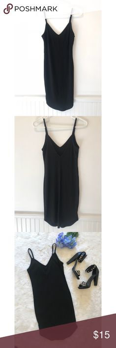 """Black Ribbed Mini Dress w Low Dip Back Black Ribbed Mini Dress w Low Dip Back Very flattering  Size Small  Scoop bottom  Length: 35"""" and 33""""  73% Polyester 23% Rayon 4% Spandex   Tags: Showpo whitefox missguided freepeople forever21 Nordstrom fashion nova revolve lulus Tobi hello Molly    ◽️G3 Forever 21 Dresses Mini"""