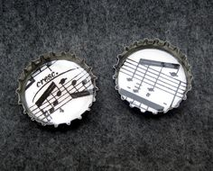 http://randomcreative.hubpages.com/hub/Beer-and-Plastic-Bottle-Cap-Crafts-Projects-Ideas