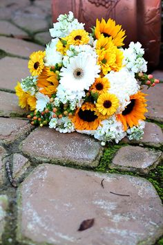 White Gerber Daisies yellow sunflower bridal bouquet :: Metro Detroit Michigan wedding bouquets,centerpieces, wedding flowers,