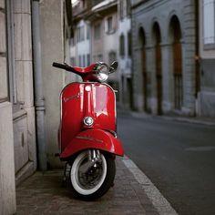 Red Like Passion Vespa Ape, Piaggio Vespa, Lambretta Scooter, Vespa Scooters, Red Vespa, Vintage Vespa, Vespa Girl, Scooter Girl, Vintage Motorcycles