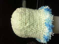 I made a second vintage crocheted baby girls hat. My pictures keep distorting for some reason :( I'm hoping this one uploads correctly