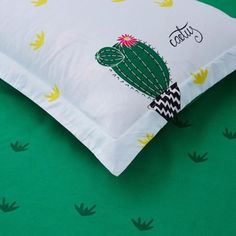 fe76ec300 Cactus Printing Green Bedding Set Duvet Cover+Sheet+Pillow Case Four-Piece  Hot