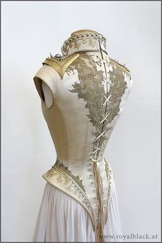 "Another stunning corset from www. I love the long line of it where most corsets want to stop at the waist or just below. Appeals to my inner ""rococo French pirate"". Mode Steampunk, Style Steampunk, Steampunk Wedding, Steampunk Costume, Steampunk Clothing, Steampunk Fashion, Steampunk Dress, Moda Medieval, Costume Original"