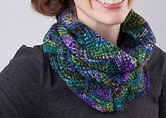 Gorgeous color and texture even if cowl season is over... well maybe not for some northern climates.  FREE PATTERN @ Ravelry: Chevron Cowl pattern by Sheryl Thies