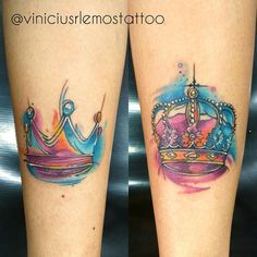 Coroas aquarela, #viniciusrafaellemos #horistartattoo #viniciusrlemostattoo #tattoo #tattoolines #tattoopequena #coroatattoo #tatuagemdecoroa #tattoocoroa #coroacolorida #colorcrown #tattoo #tattoolines #watercolortattoo #watercolor #crownwatercolor #coroacolorida #coroaaquarela #horitattoohouse #hth #sjc #sjctattoo