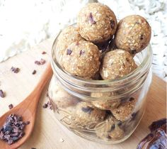 Bliss balls are great for kicking bad sugar to the kerb and making snacking on the good stuff fun. Here are 7 nut-free bliss balls to get their lunches rolling! Cookie Dough Ball Recipe, No Bake Cookie Dough, Vegan Cookie Dough, Cookie Dough Recipes, Balls Recipe, Vegan Desserts, Raw Food Recipes, My Recipes, Baking Recipes