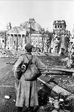 Mikhail Makarov, soldier, infantryman, who reached Berlin. Front of the Reichstag. Location: Berlin, Germany Time taken: May 1945 Author: Anatoly Morozov