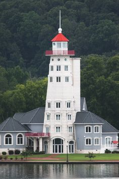 Guntersville light house Mansions Homes, Acre, House Styles, Alabama, Building, Modern, Lake Front, Elevator, Lighthouses