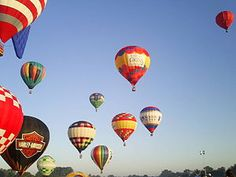 great balloon race over Louisville, KY before Derby