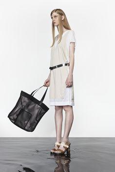NUBU CENTUS dress / NUBU GOBOL belt / NUBU GODUL bag