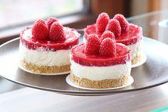 Gourmet Desserts, Mini Desserts, Delicious Desserts, Yummy Food, Cupcake Torte, Bolo Fresco, Cake Recipes, Dessert Recipes, Mini Cheesecakes