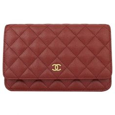 Pre-owned Chanel Wallet on Chain Leather Bag ($3,211) ❤ liked on Polyvore featuring bags, wallets, burgundy, women bags handbags, leather chain wallet, red bag, chanel, iridescent wallet and red leather wallet