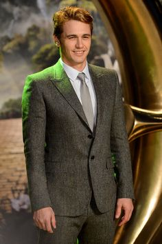 James Franco suited up for the Oz European premiere in London. Get more pics here!