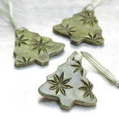 Ceramic Ornament with Star Anise Impressions Christmas Holiday Decoration Evergreen Tree - Set of 3 - Trend Dekoration Weihnachten 2020 Christmas Clay, Ribbon On Christmas Tree, Christmas Holidays, Christmas Ornaments, Ceramic Christmas Decorations, Green Christmas, Christmas Ideas, Holiday Crafts, Holiday Decor