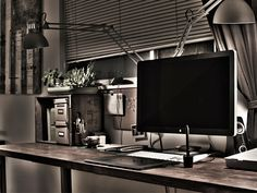 And look at this beauty. Ben Crane's home workspace.