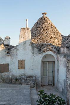 Alberobello, Puglia Bari, Overseas Travel, Puglia Italy, Interesting Buildings, Travel Light, Sardinia, World Heritage Sites, Where To Go, Italy Travel