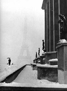 Lee Miller: The veiled Eiffel Tower from the Palais de Chaillot. Winter 1944-45