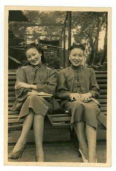 Chinese vintage: Shanghai, 1930s, two sisters wearing wonderful matching outfits.