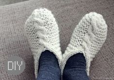 Shhh, it's a secret! Knitting Socks, Knit Socks, Haku, Needlework, Slippers, Cozy, Sewing, Crafts, Shoes