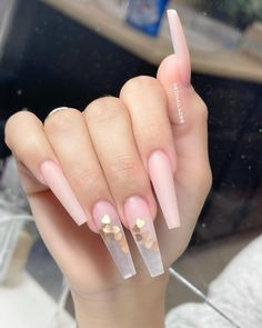 Bling Acrylic Nails, Acrylic Nails Coffin Short, Square Acrylic Nails, Almond Acrylic Nails, Summer Acrylic Nails, Best Acrylic Nails, Edgy Nails, Aycrlic Nails, Prom Nails
