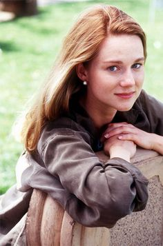 A younger Laura Linney.such a beautiful girl. Trending Tv Shows, Laura Linney, Julie Benz, Dramatic Classic, Soft Classic, Sexy Women, Richard Gere, Hollywood Actor, Ex Girlfriends