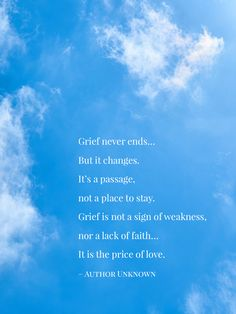 20 Grief Quotes for Coping with Great Loss - Grief quotes can help us put our own thoughts and feelings into perspective. When you are grieving, it can be hard to see or think straight. 20 Grief Quotes for Coping with Great Loss As far as … Prayers For Grieving, Grieving Friend, Grieving Quotes, Grieving Mother, Prayer For Grief, Bible Verse For Grief, Death Quotes, Loss Quotes, Grief Quotes Child