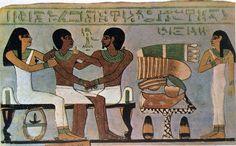 STELE DI AMENEMHET LA STORIA DEL CIBO NELLE IMMAGINI  STELE IN CALCARE DIPINTO DEL DEFUNTO AMENEMHET (Museo del Cairo).  Il defunto è raffigurato a sinistra. A destra, su un piatto dall'alto piede, sono ammucchiate... #art #stele #history #storia #geroglifici #amenemhet #cibo