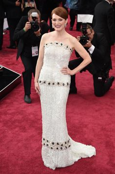 Julianne Moore in Chanel at the 2015 Oscars