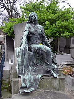 Douleur, by Robert Didsbury, 1910, Montmartre Cemetery