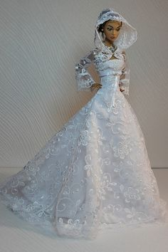 dolls my twinn Click Visit link above for more info - Caring For Your Collectable Dolls. Barbie Bridal, Barbie Wedding Dress, Wedding Doll, Barbie Dress, Barbie Clothes, Wedding Dresses, Barbie E Ken, Barbie Mode, Accessoires Barbie