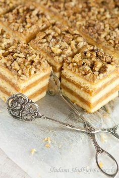 Apple and Walnut Cake