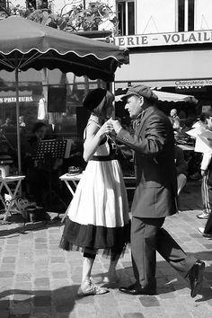 Street dancing, Paris