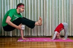 world's best dad yoga - funny father daughter pictures | Loved and pinned by www.downdogboutique.com