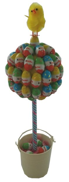 Easter Sweet Tree - The Supermums Craft Fair (Chocolate Bouquet Tree) Easter Candy, Easter Treats, Easter Gift, Chocolate Bouquet Diy, Chocolate Tree, Diy Bouquet, Candy Bouquet, Candy Trees, Chocolate Easter Bunny