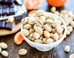 The Perfect Healthy Snack: Pistachios, Dark Chocolate and Mandarin Oranges | www.cookingandbeer.com #sponsored #SkinnyNut