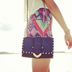 These type of purses look great with short skirts , dresses and short shorts .