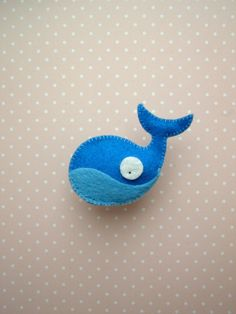 Felted whale by www. Felt Crafts, Diy Crafts, Sewing Class, Cool Kids, Kids Fun, Diy Baby, Softies, Sewing Projects, Felt Projects