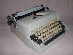 Mechanische Schreibmaschine Triumph Gabriele 30 mechanical typewriter