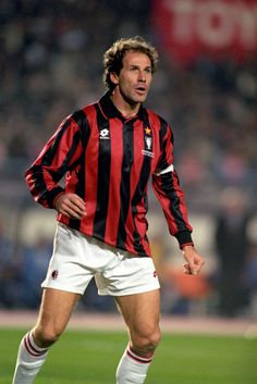 Franco Baresi - Adored by Milan fans to this day, Baresi played an astonishing 719 times for the Rossoneri (1977-97).