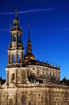 Dresden, Duitsland.                     http://zuiderhuis.be/dresden-helemaal-herrezen-7-dagen