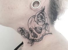 ▷ Skull Tattoos - 20 Ideas with Meaning Butterfly Tattoo Cover Up, Butterfly Tattoo Designs, Dragonfly Tattoo, Medusa Tattoo, Arm Tattoo, Tattoo Motive, Hamsa Hand Tattoo, Feather Tattoos, Skull Tattoos