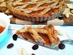 Tarta Linzer - o reteta austriaca veche, raspandita in mare parte a Europei, inclusiv in Romania: aluat fraged, aromat si gem parfumat. Totul explicat clar si detaliat, pentru o tarta Linzer excelenta.