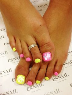 Looking for easy nail art ideas for short nails? Look no further here are are quick and easy nail art ideas for short nails. nails near me salon nails nails salon nails Continue Reading → Cute Toe Nails, Pretty Nails, My Nails, Neon Toe Nails, Yellow Toe Nails, Pedicure Nail Art, Toe Nail Art, Mani Pedi, Pedicure Ideas