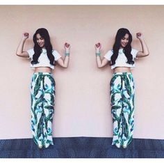 Crop top with loss pants are perfect. Short Tops, Long Tops, Julia Baretto, 70s Fashion, Fashion Outfits, Filipina Actress, Shorts With Tights, Flowy Skirt, Fashion Lookbook