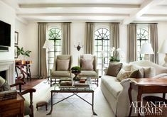 Quiet colors, subtle elegance and a serene atmostphere make this room just drool-worthy.