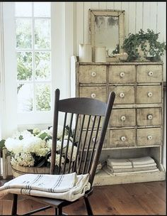 The Cream Colours And Ling Paint Texture Of This Drawer Brings Out Vintage Urban