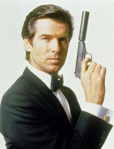 Pierce Brosnan played James Bond in GoldenEye, Tomorrow Never Dies and World is Not Enough. James Bond, Casino Royale, Caricatures, Cassandra Harris, Detective, Bond Series, Donald Sutherland, Old Movie Stars, Pierce Brosnan