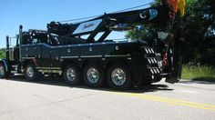 PETERBILT - 70 Ton B&B Rotator, Hutch's Towing and Recovery