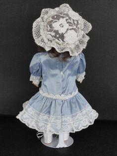 http://www.georgettebravot.com/contents/fr/p1942_reproduction_poupee_ancienne_bleuette.html
